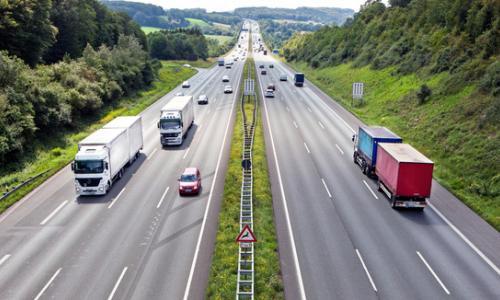 Kinh nghiệm lái xe an toàn toàn trên cao tốc