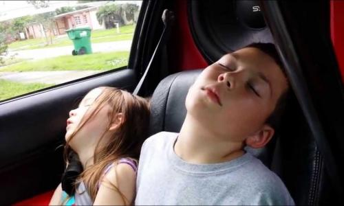Vì sao ngủ trong xe ô tô dễ gây tử vong
